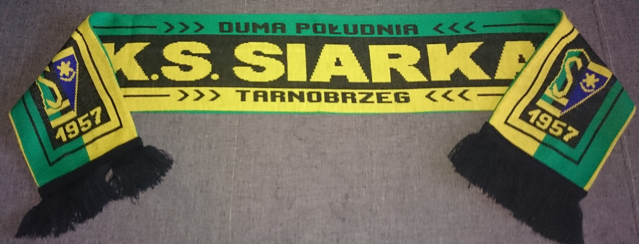 Купить ШАРФ СЕРА ПИТЕР СУПЕР ВОЗМОЖНОСТЬ на Eurozakup - цены и фото - доставка из Польши и стран Европы в Украину.