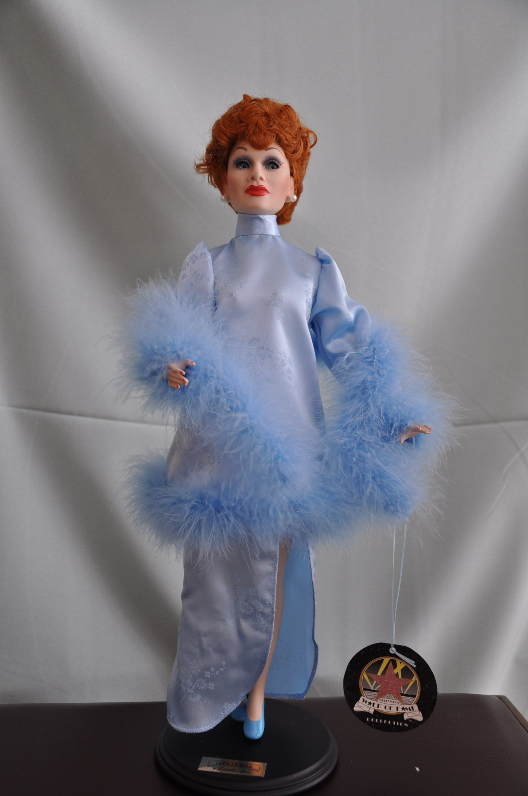 Porcelánová bábika Lucille Ball