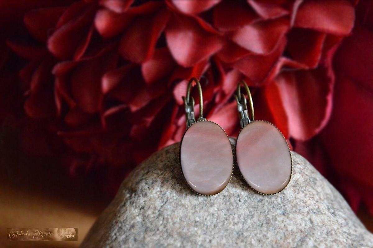 Ružová Peru opal Náušnice kolekcia vintage