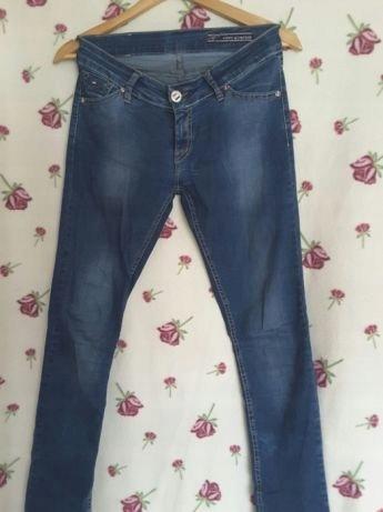 42b8ea8c8 Spodnie damskie Tommy Hilfiger 30 M 38 jeansy - 7544672325 ...