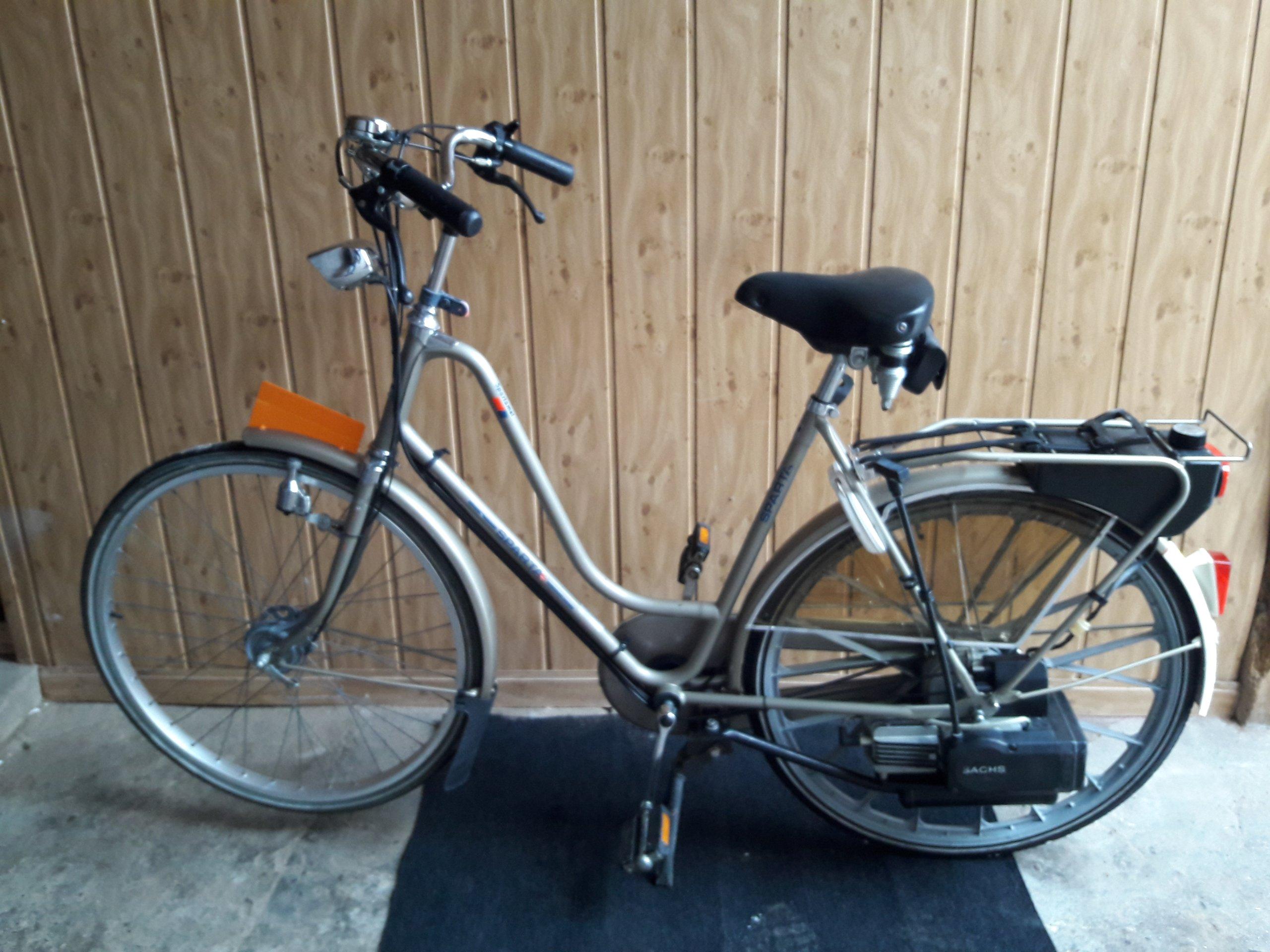 Spartamet rower z silnikiem SACHS 301A