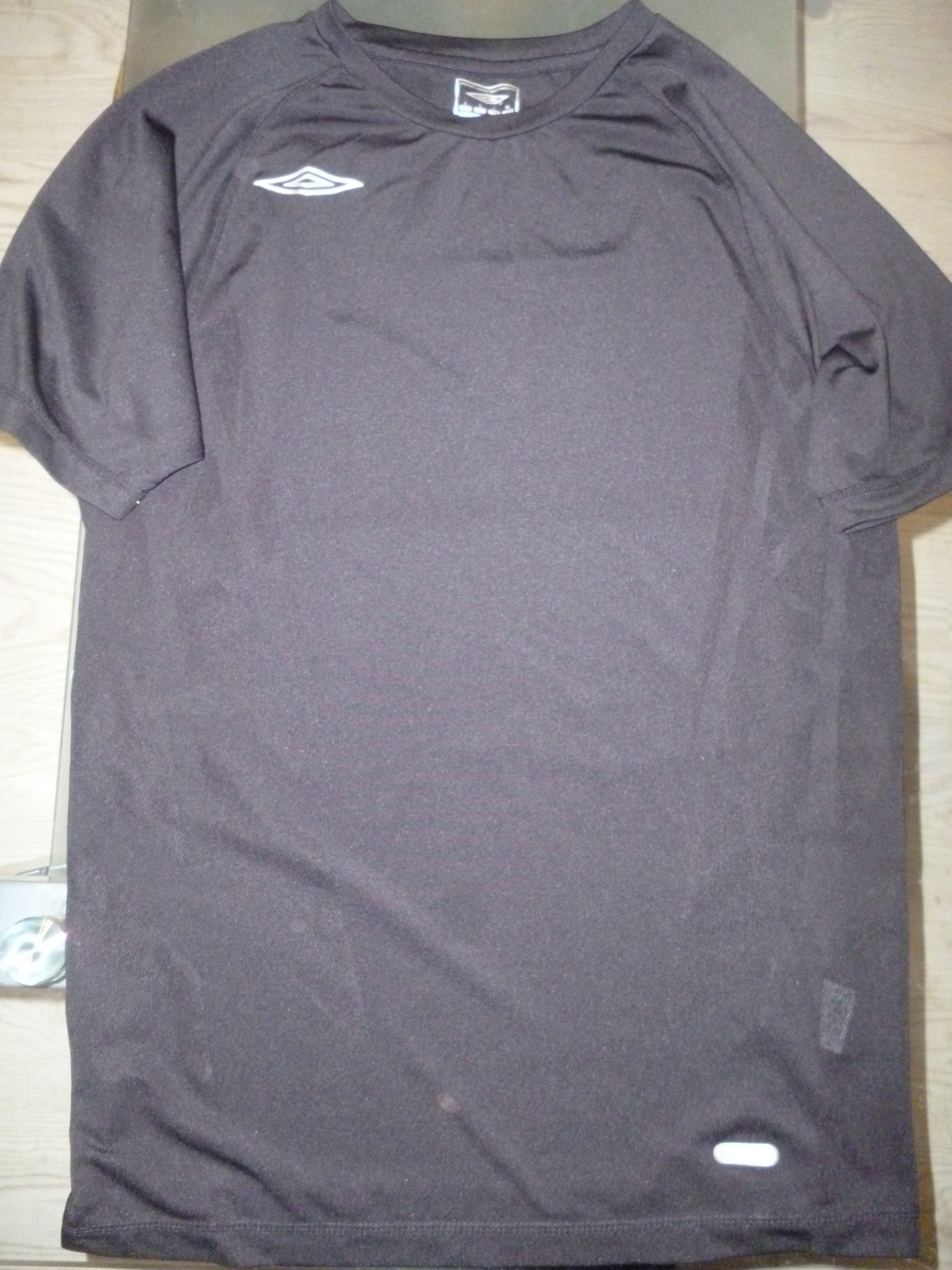 Czarna koszulka sportowa Umbro L
