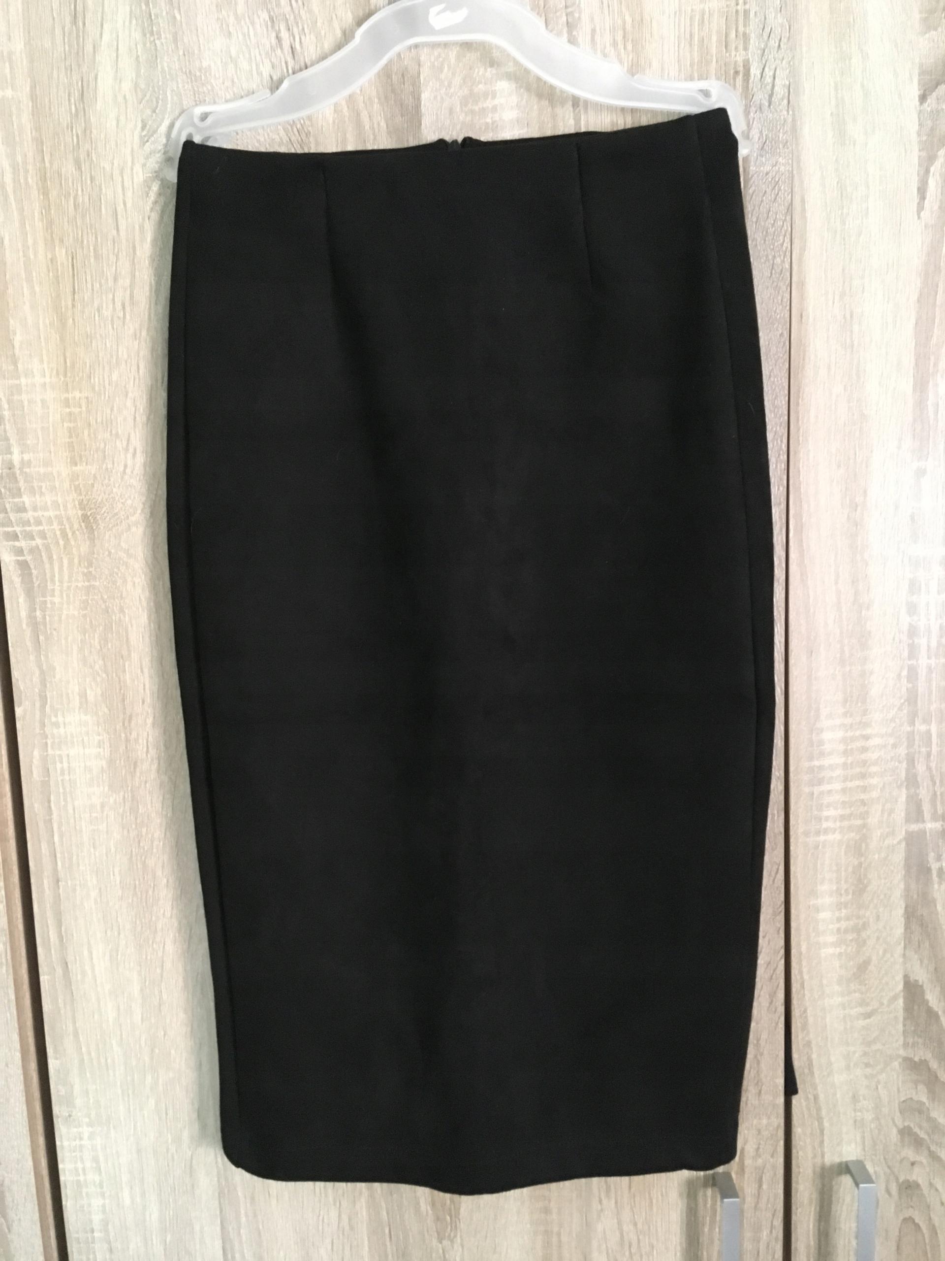 8028ee66 Zamszowa czarna spódnica 36 S - 7641242066 - oficjalne archiwum allegro