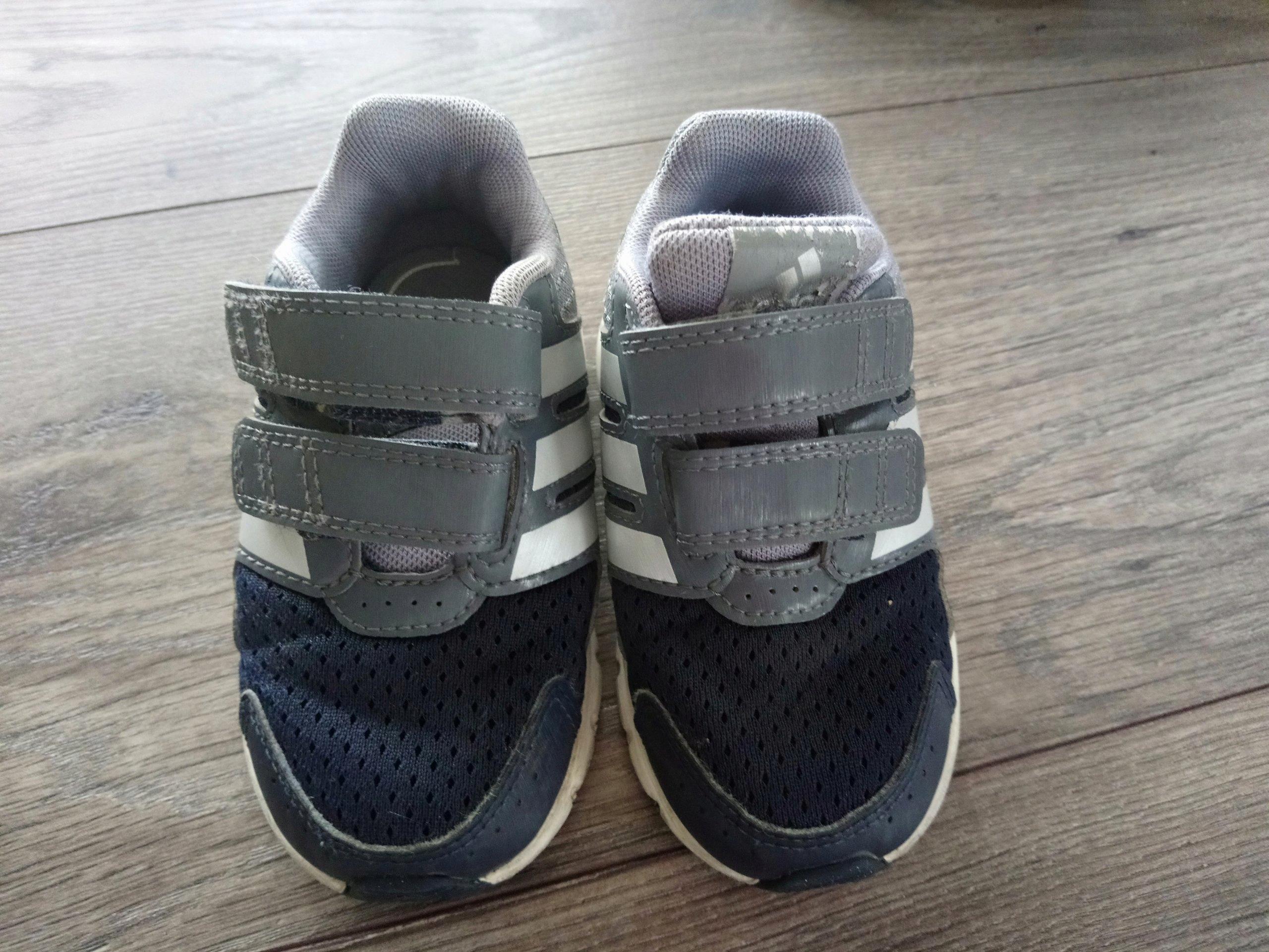 bce13450 Buty chłopięce lekkie jesienne adidas 22 - 7234536009 - oficjalne ...