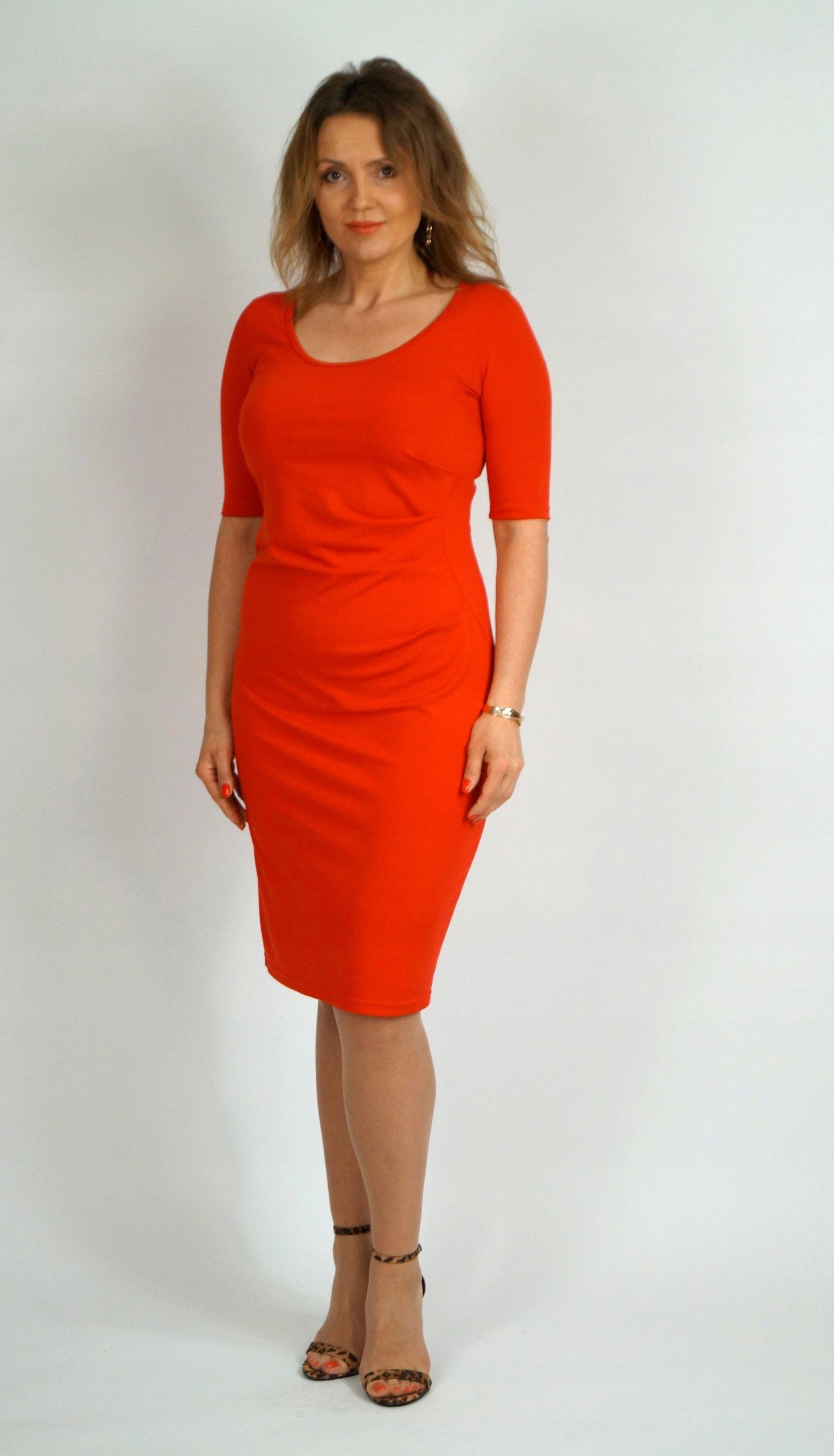 Roxi Red