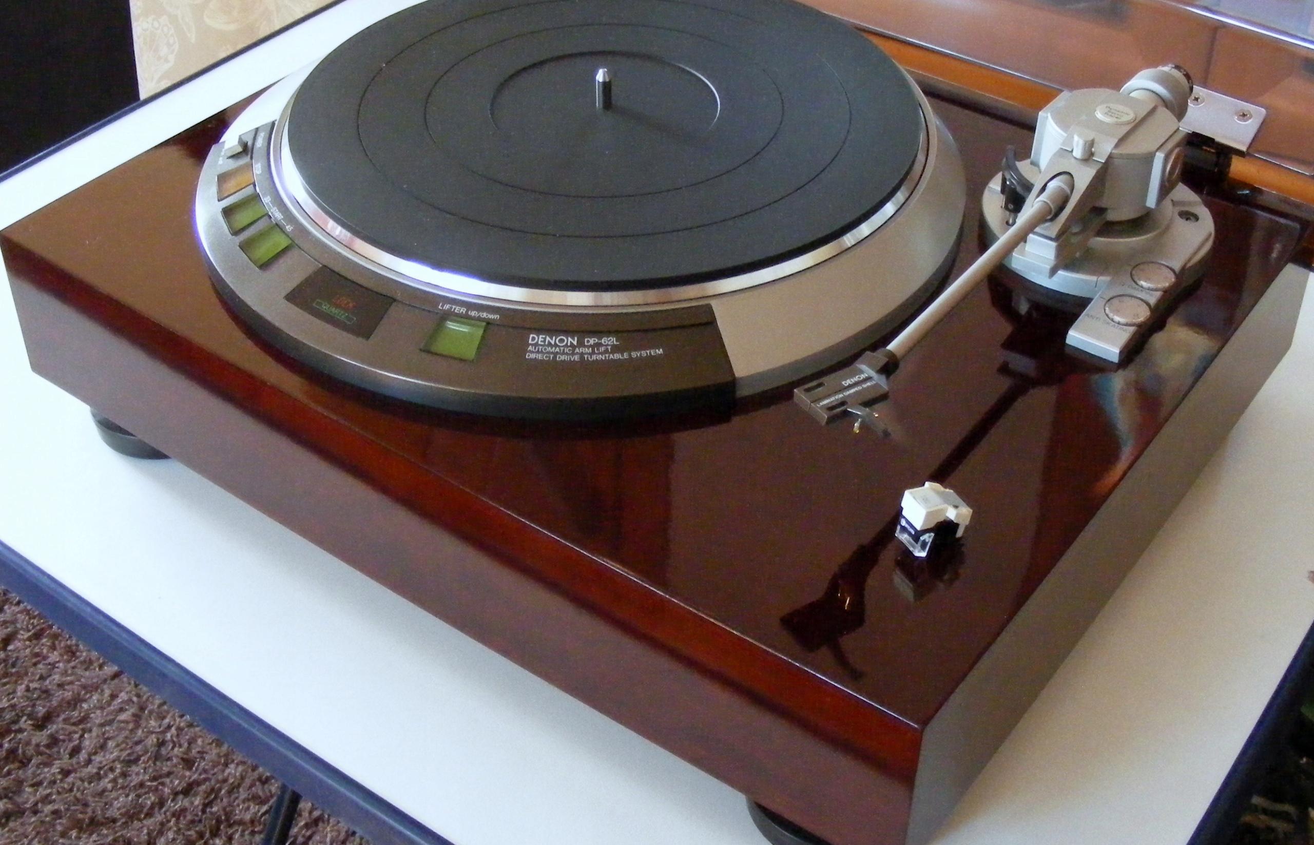 Gramofon Denon DP-62L