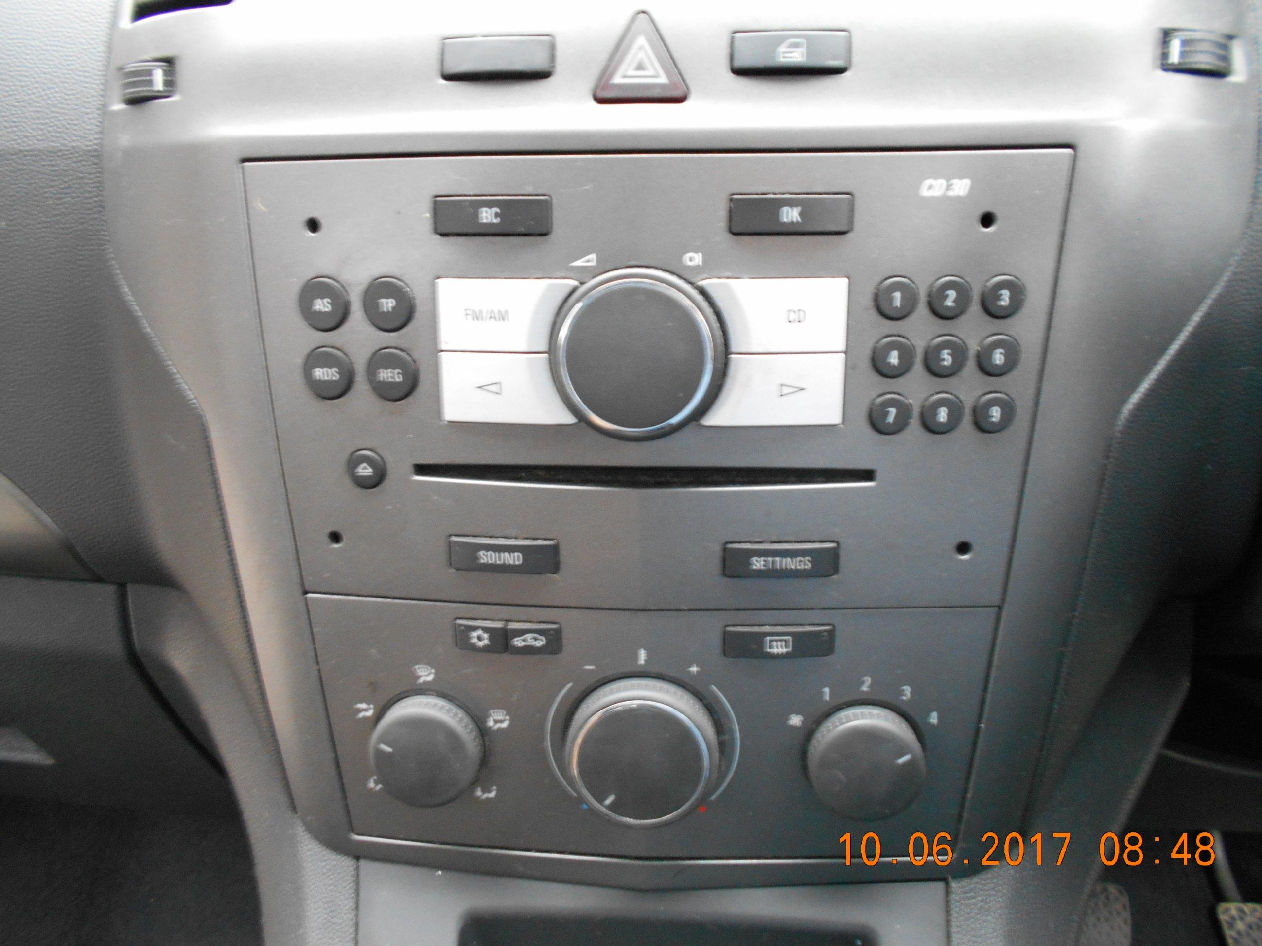 radio cd oryginalne fabryczne opel zafira b 6858887810. Black Bedroom Furniture Sets. Home Design Ideas