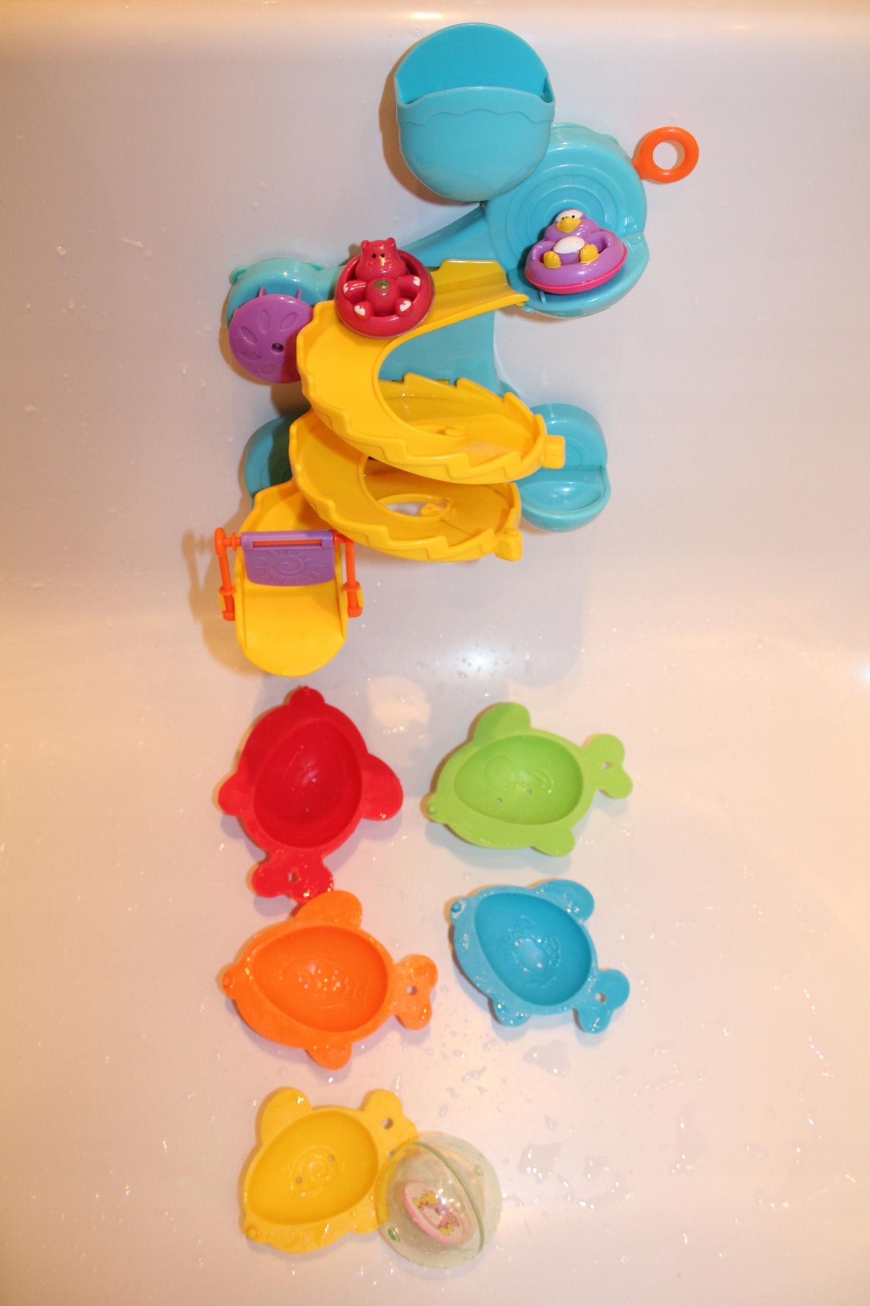 Zabawki do kąpieli wesoła zjeżdżalnia i rybki