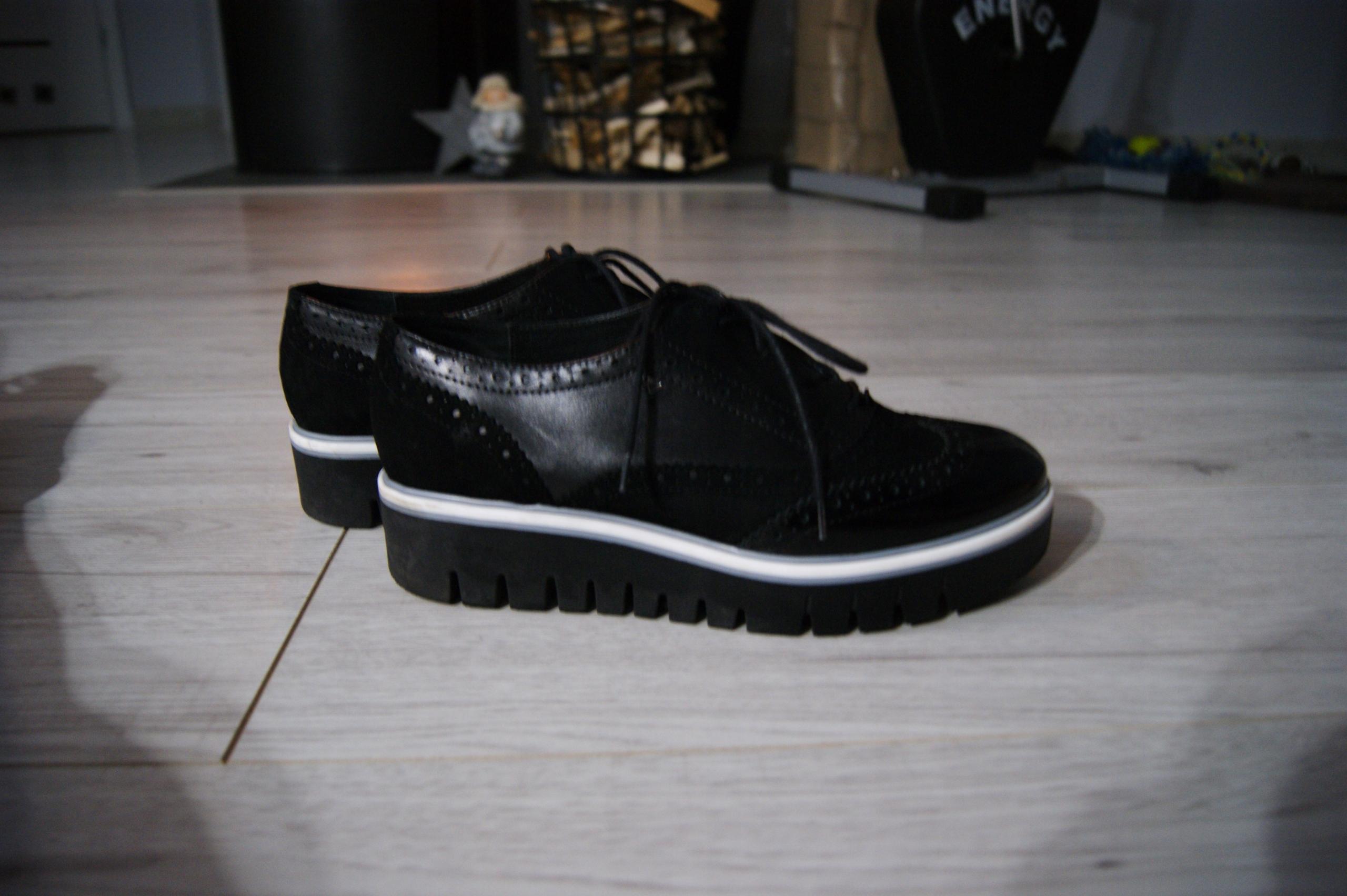 e3715cc2 WOJAS czarne lakierowane buty na platformie 39 - 7717412524 ...