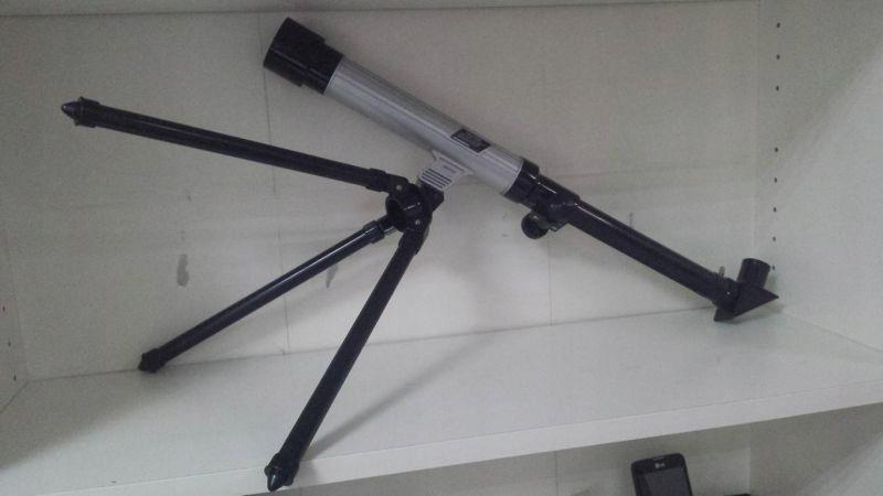 Teleskop astronomiczny używany teleskop astronomiczny sprzedajemy