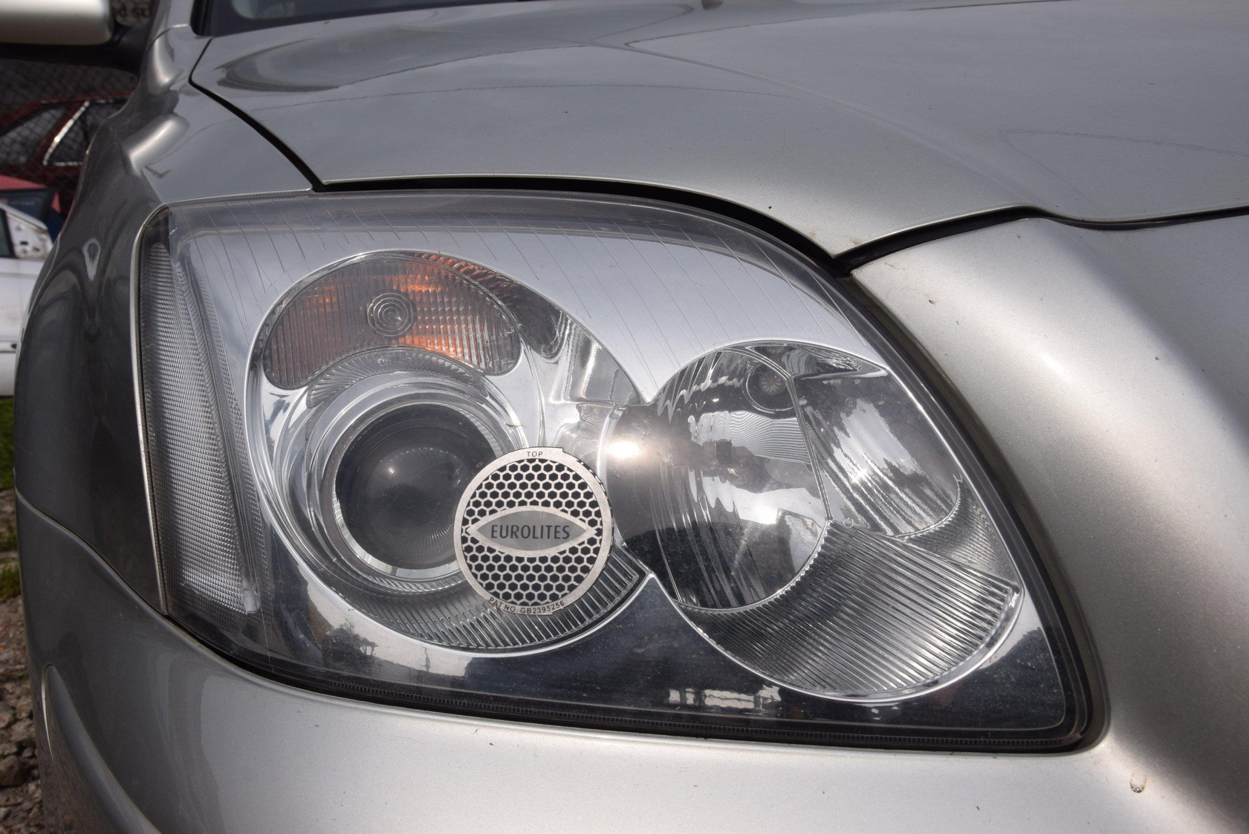 Lampa Prawy Przód Przedni Toyota Avensis Ii T25 Uk