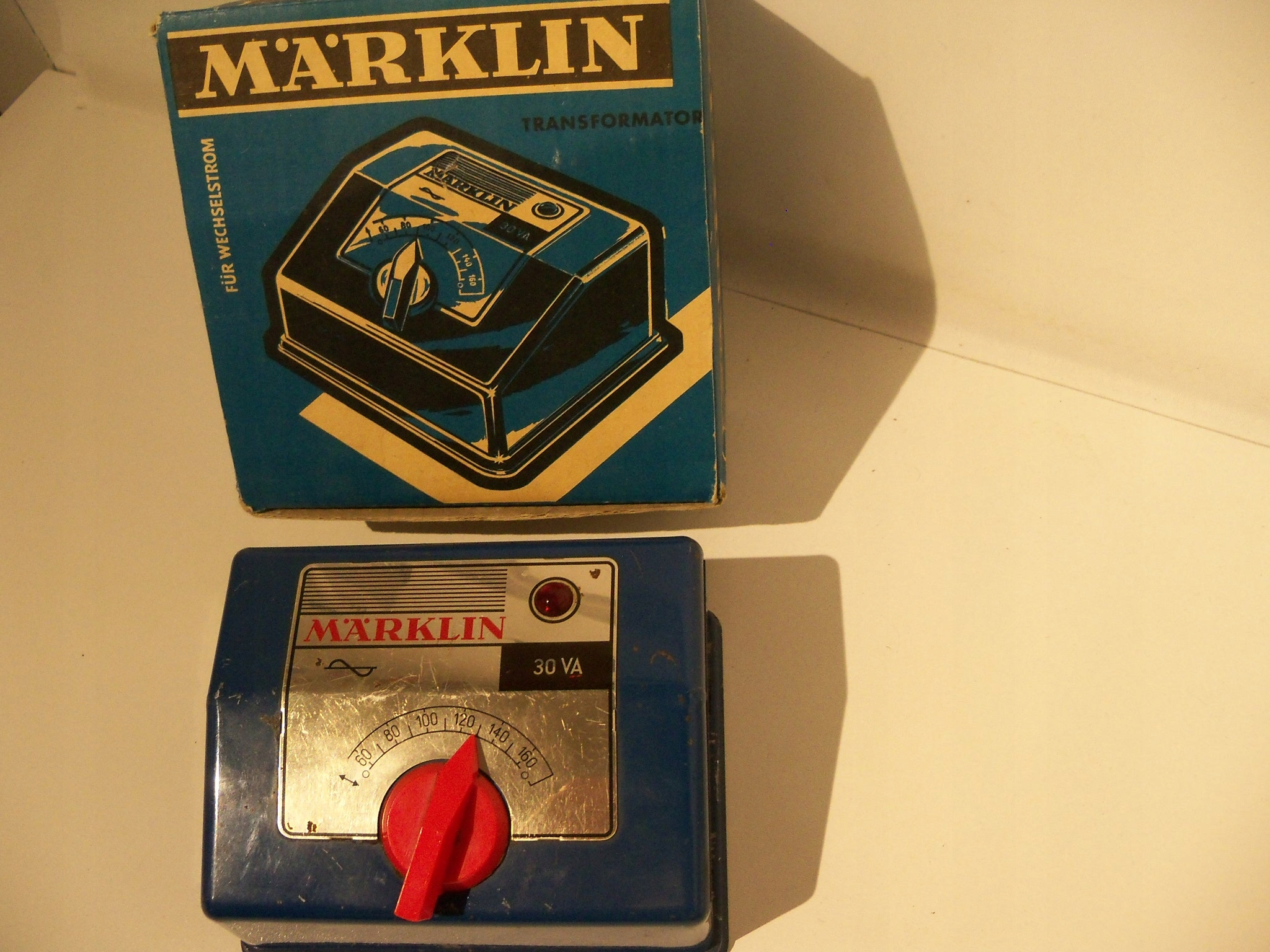MARKLIN 6117 ZASILACZ do KOLEJKI 7-16/24V b/kabla