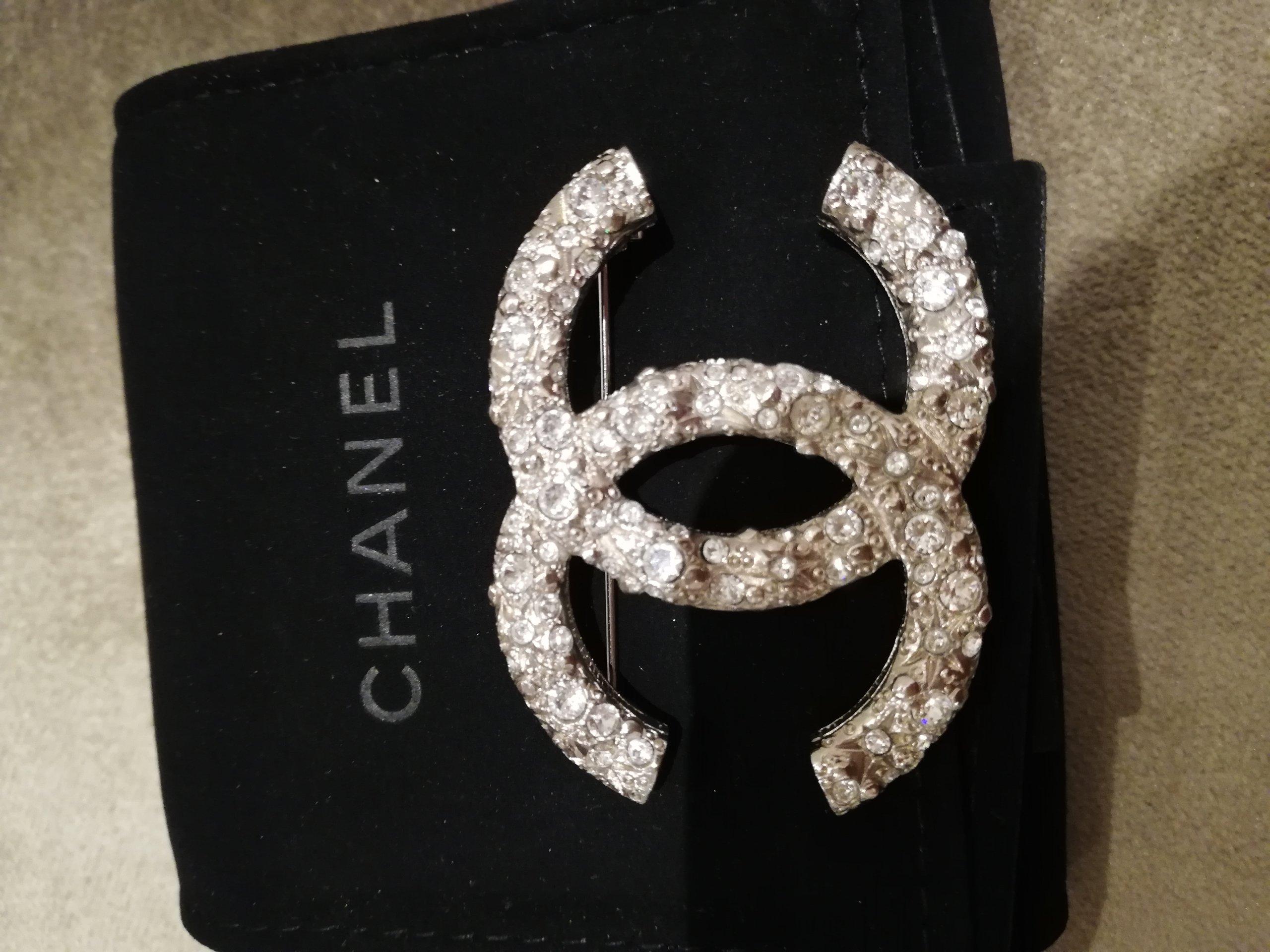 d0a3edfad9cf2 Chanel broszka - 7423601079 - oficjalne archiwum allegro