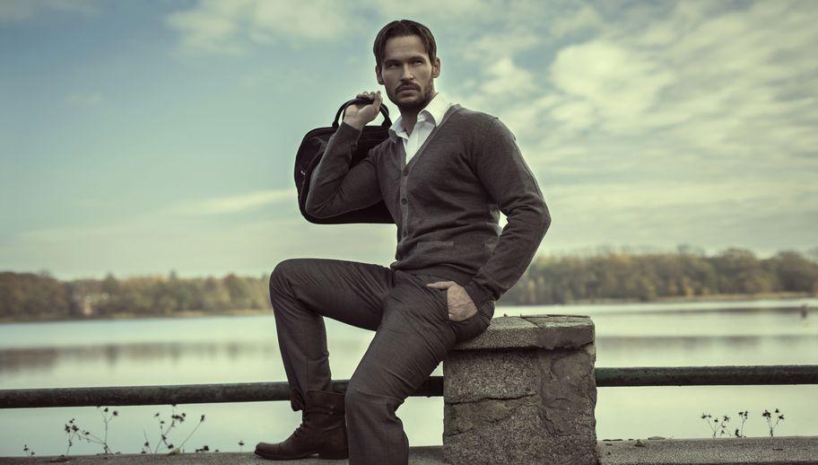 bac669a80903e Sweter – zimowy niezbędnik. Najmodniejsze męskie swetry - Allegro.pl
