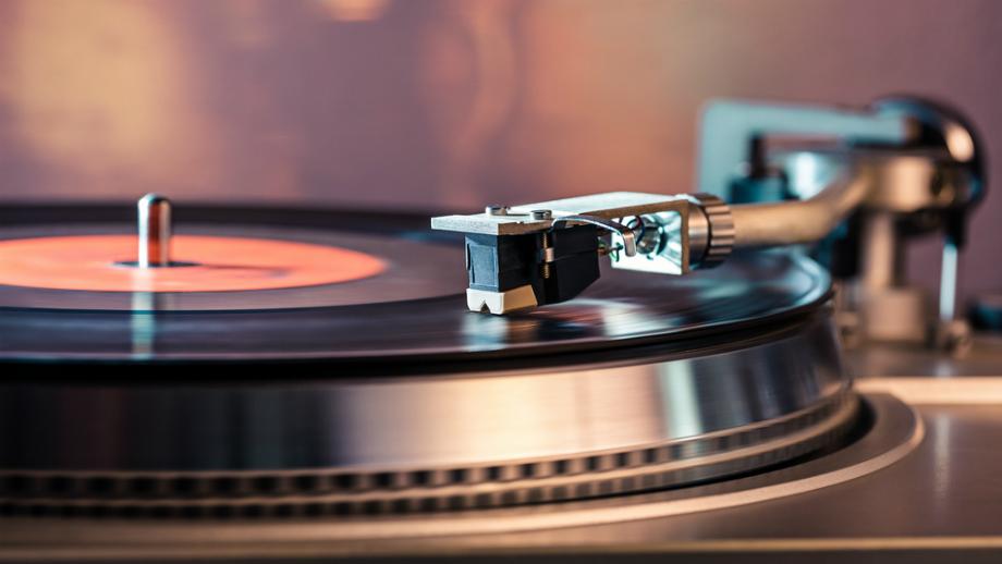 Najdroższe winyle w historii. Co powoduje, że niektóre albumy osiągają kosmiczne ceny?