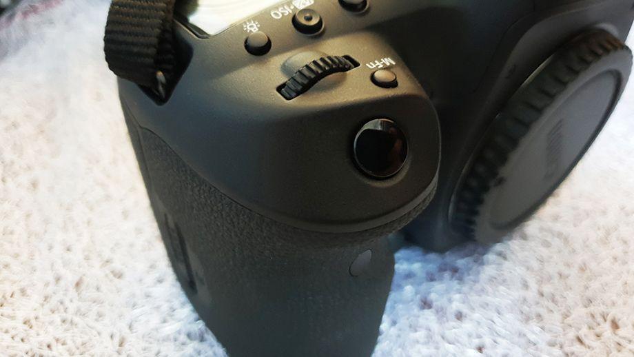 Canon 5 D Mark IV 4