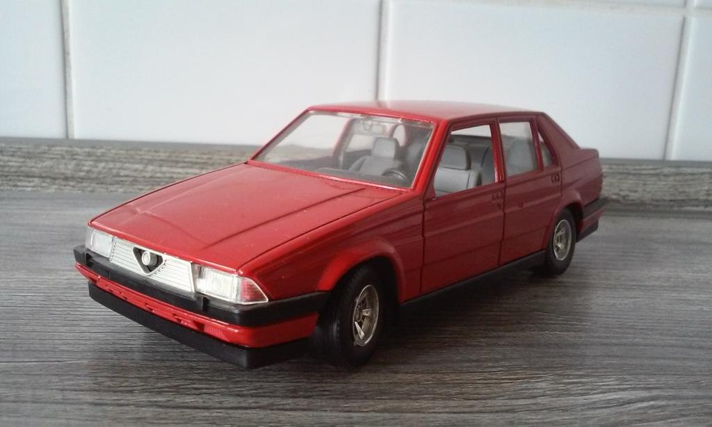 1 18 Alfa Romeo 75 Bburago Unikat Rarytas 7399178348 Oficjalne Archiwum Allegro