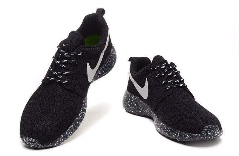 Buty Nike Roshe Run Oreo Nowe Rozmiar 40 7253449480 Oficjalne Archiwum Allegro