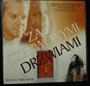 DVD Za czerwonymi drzwiami Kiefer Sutherland