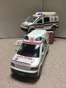 KINSMART Karetka Ambulans VW metal dżwięk Swiatło