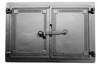 Liatinové dvere pece, pec, udiareň