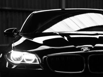 LAKIER baza GŁĘBOKA CZERŃ BMW 668 schwarz II spray