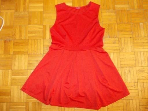 Sukienka rozkloszowana w kontrafałdy Influence 40